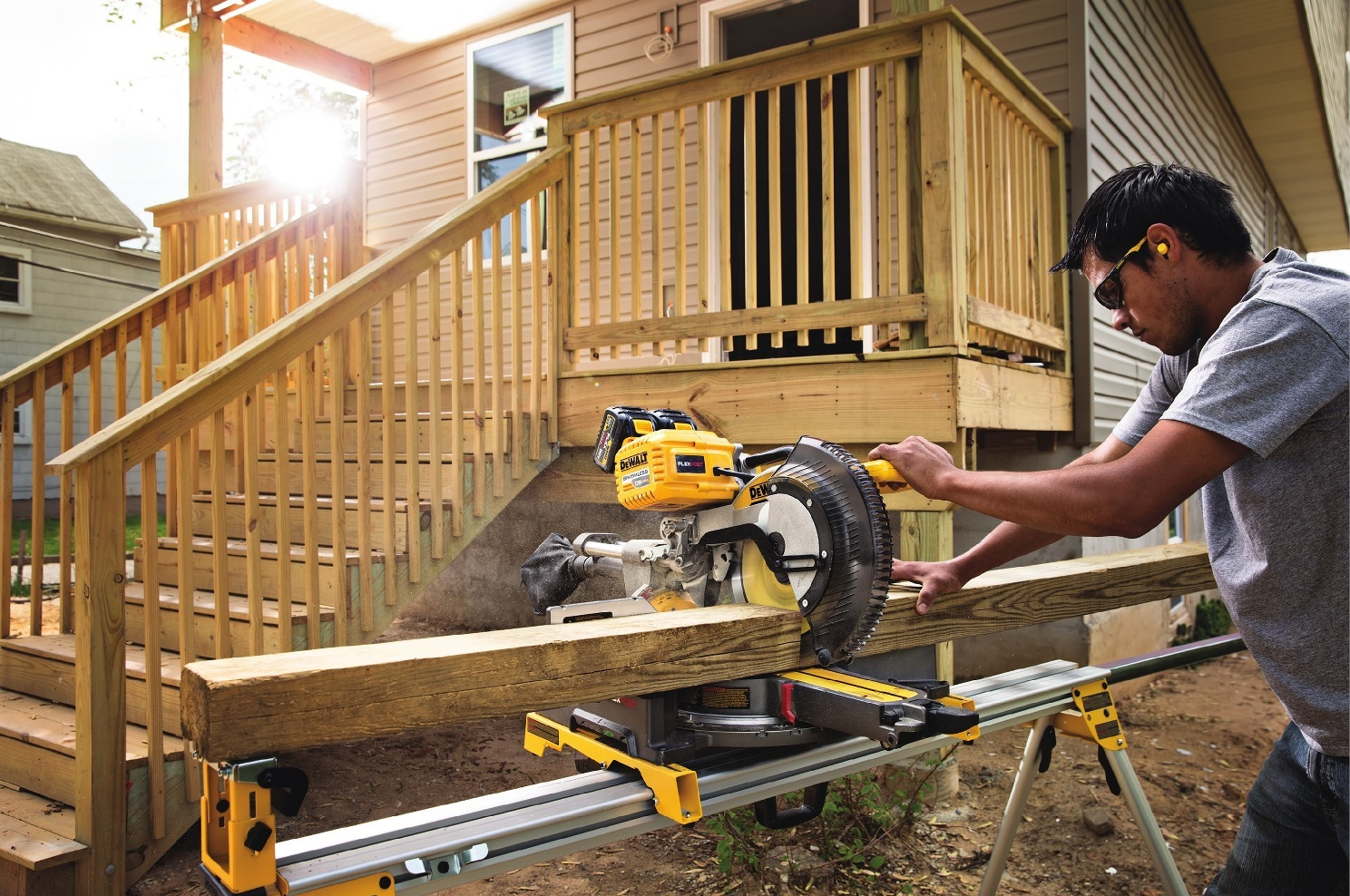 Best Sliding Miter Saw 2019 Buyers Guide And Reviews